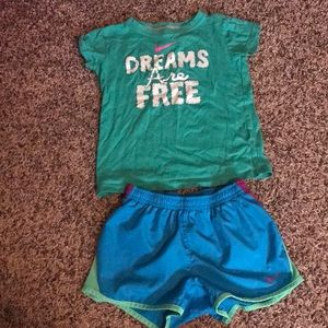 Other - Girls size 6 green and blue nike set